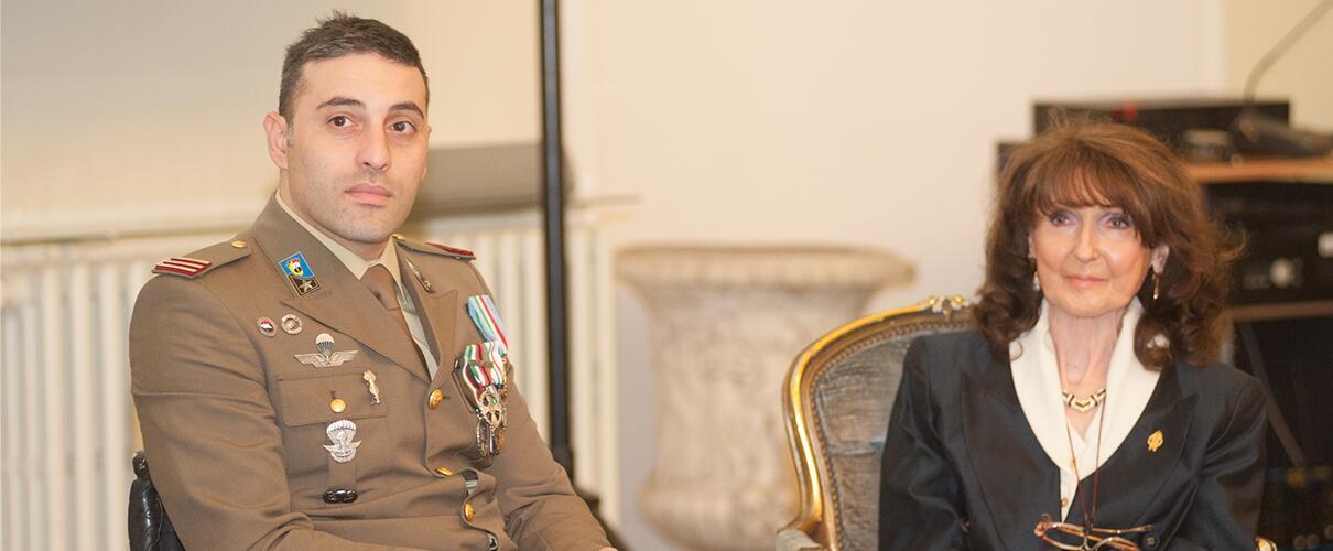 Una vita per la Patria 2015 - Primo Maresciallo Simone Careddu - Esercito Italiano e Zobeide Spocci - Presidente A.N.M.I.G. sez. Parma