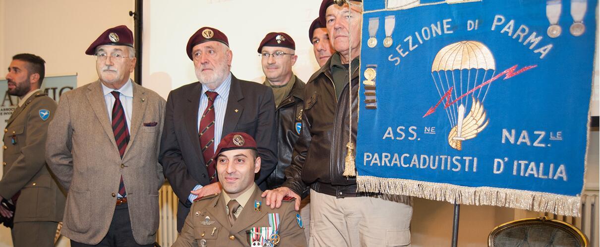 Una vita per la Patria 2015 - foto ricordo con Ass. Naz. Paracadutisti d'Italia sez. Parma