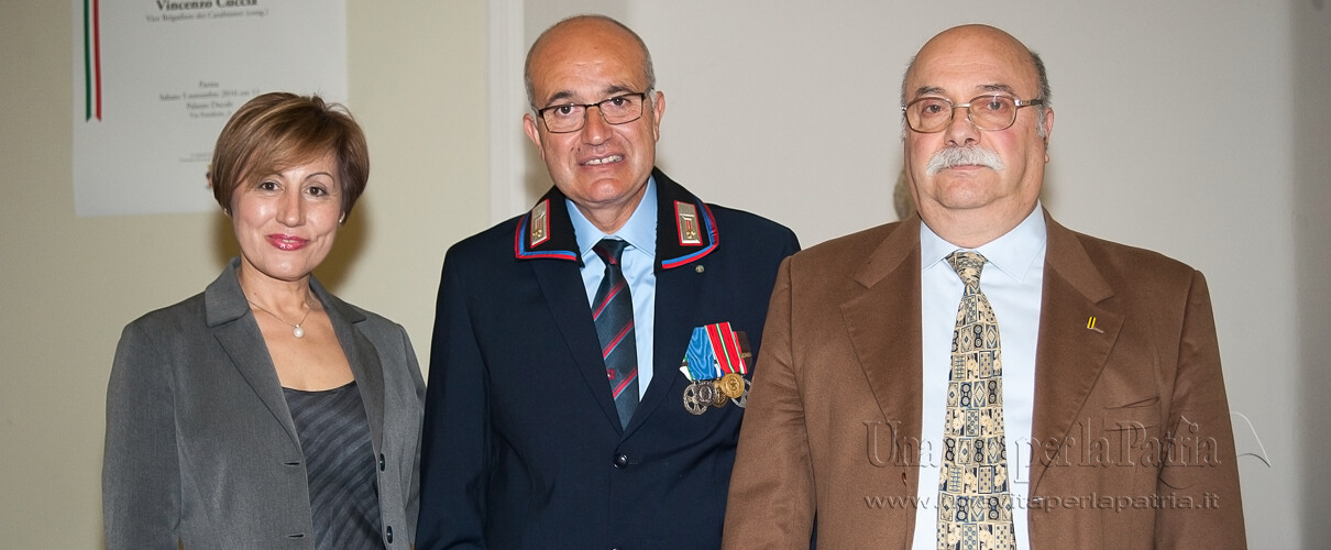 """Una vita per la Patria 2016 - foto ricordo del premiato con Fabrizio Prada - Presidente Associazione """"Divisione Acqui"""" Parma"""